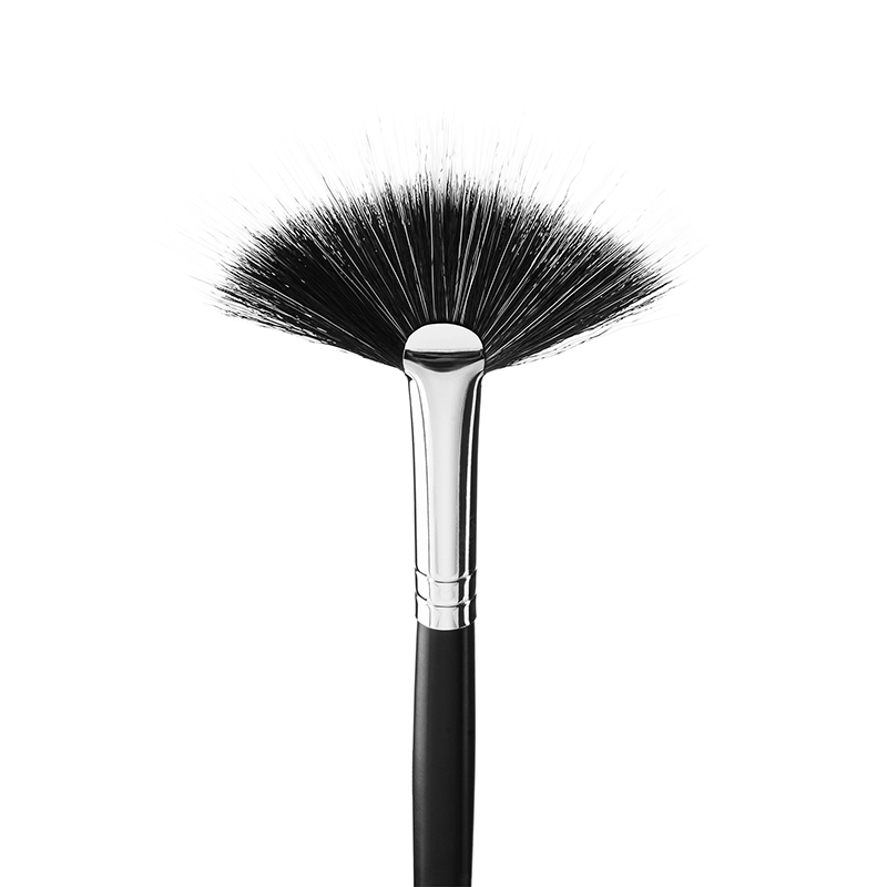 Pensula strobing/ iluminator din naylon  14N  Make-up Professional Brushes